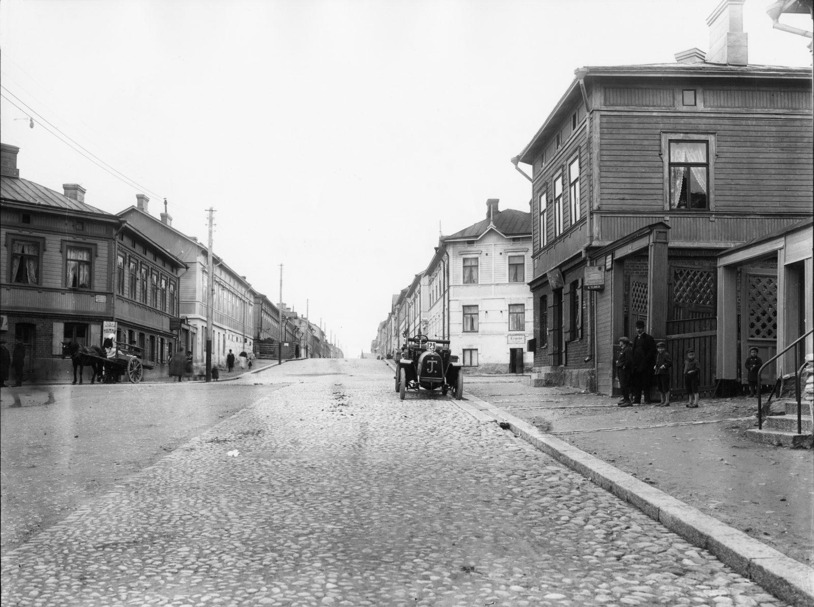 Kolmannella linjalla 1916. Kuva: Helsingin kaupunginmuseo/Rafael Roos.